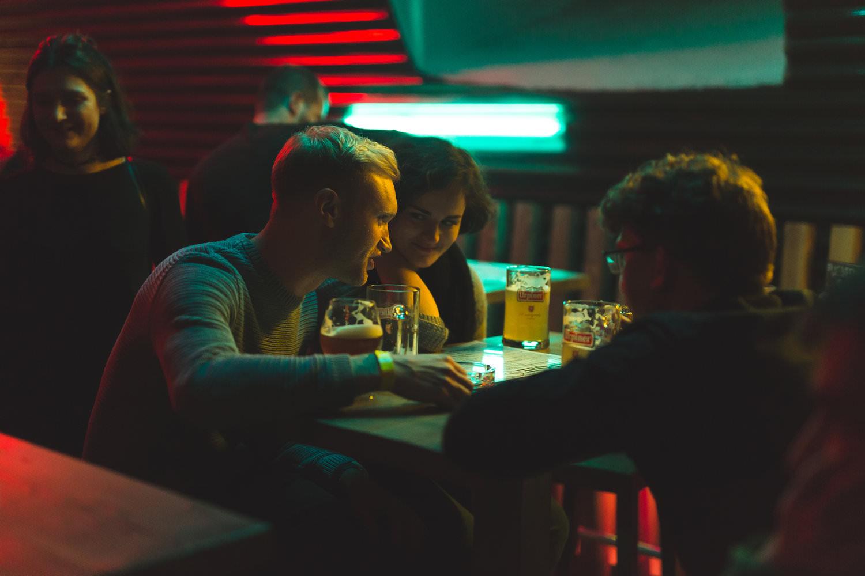 reportážna fotografia nočný klub